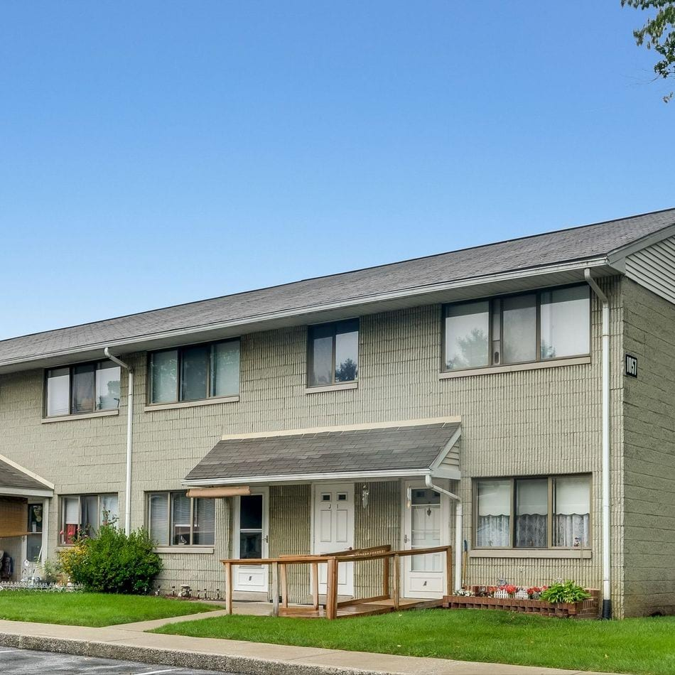 Apartments for Rent in Mechanicsburg, PA | Meadowood