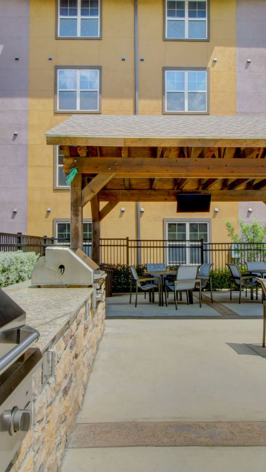 Astounding Apartments For Rent In Grapevine Tx Enclave At Grapevine Beutiful Home Inspiration Truamahrainfo