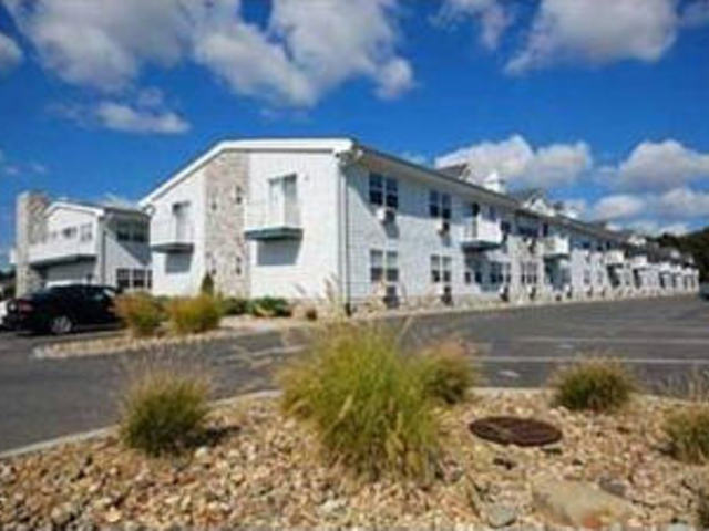 Fairfield Waterside At Sayville Apartments
