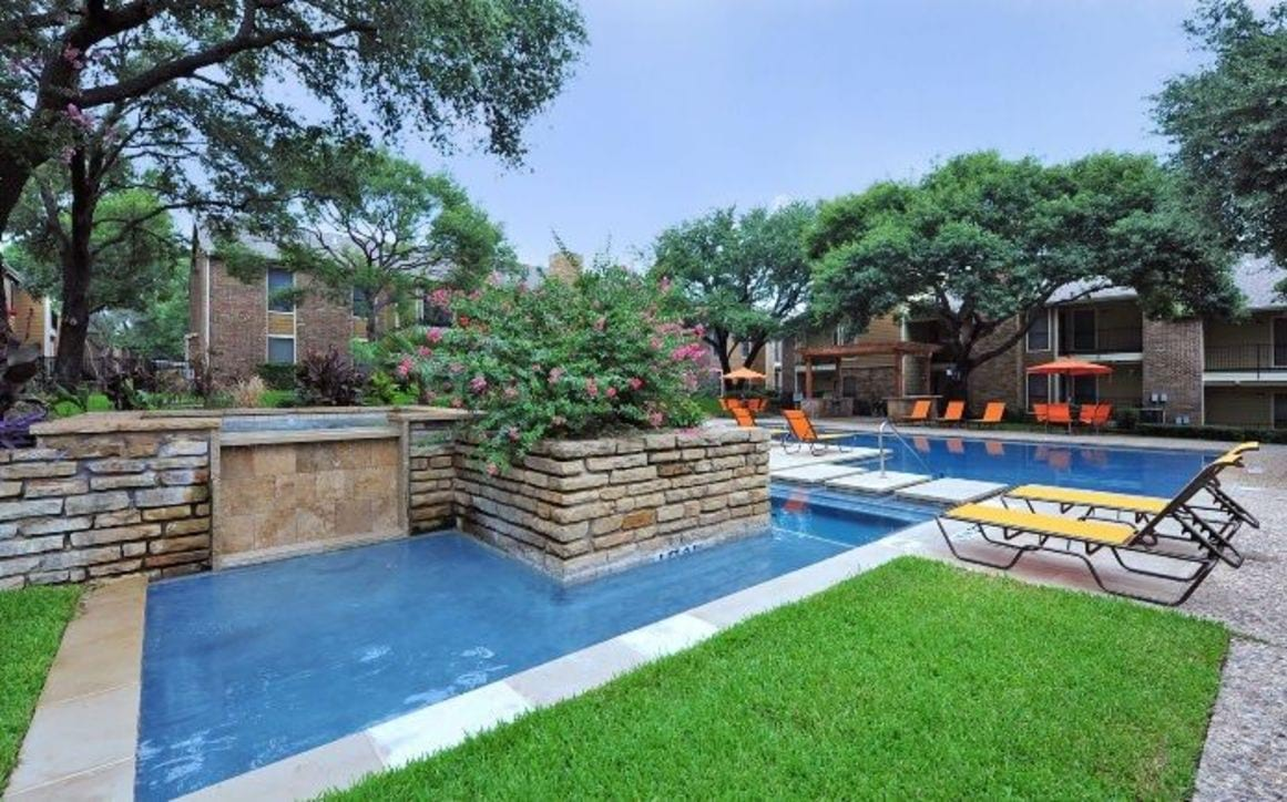 apartment rental amenities in fort worth tx retreat at river