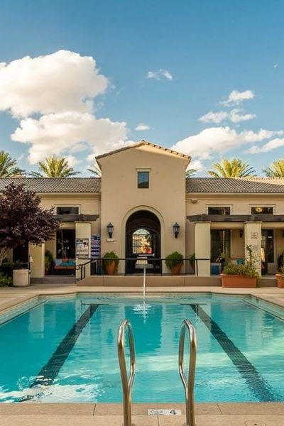 Heated Pool W/private Cabanas, B B Q Areas U0026 Jacuzzi!