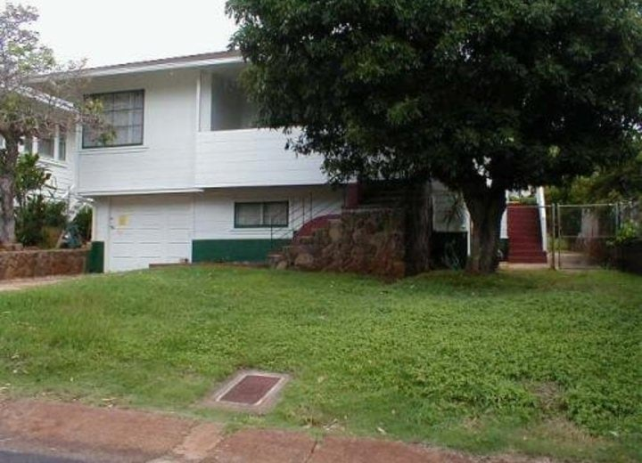 3BR/1.0BA in 2046 Hillcrest Street - Honolulu, HI Apartments for Rent