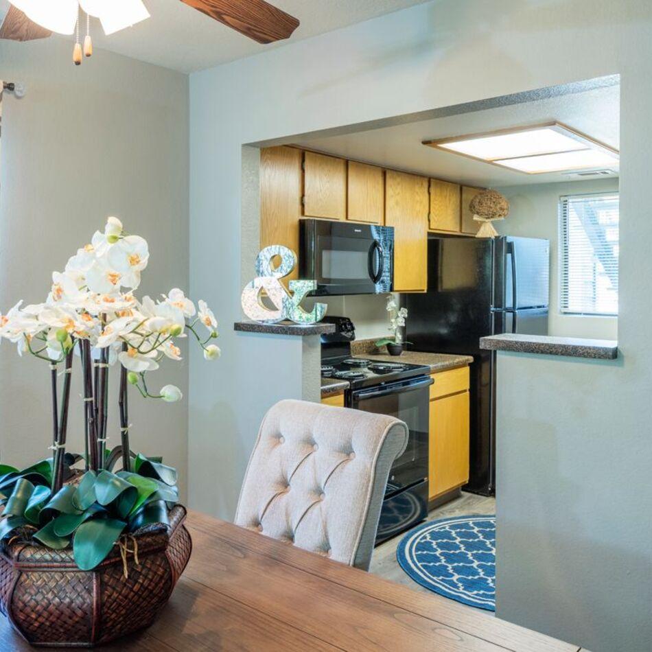 Apartments in South Kansas City | Timberlane Village Apartments