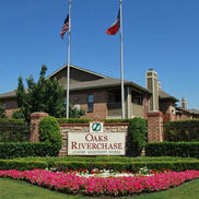 Oaks Riverchase Apartments