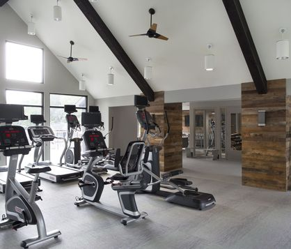 The Lakes Bellevue Fitness Center with cardio equipment