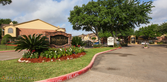 Strawbridge Apartments Pearland Tx Apartments For Rent