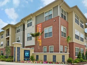 WEST M | Lake Charles, Louisiana, 70605  Low Rise, MyNewPlace.com