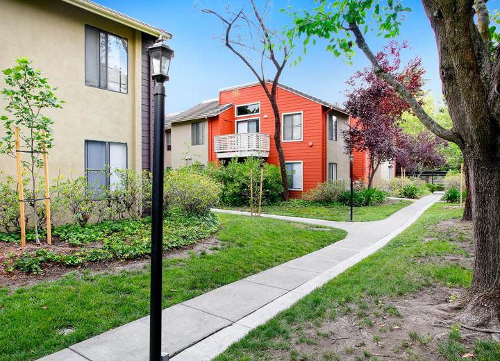 Crossbrook Apartments - Rohnert Park, CA Apartments for Rent