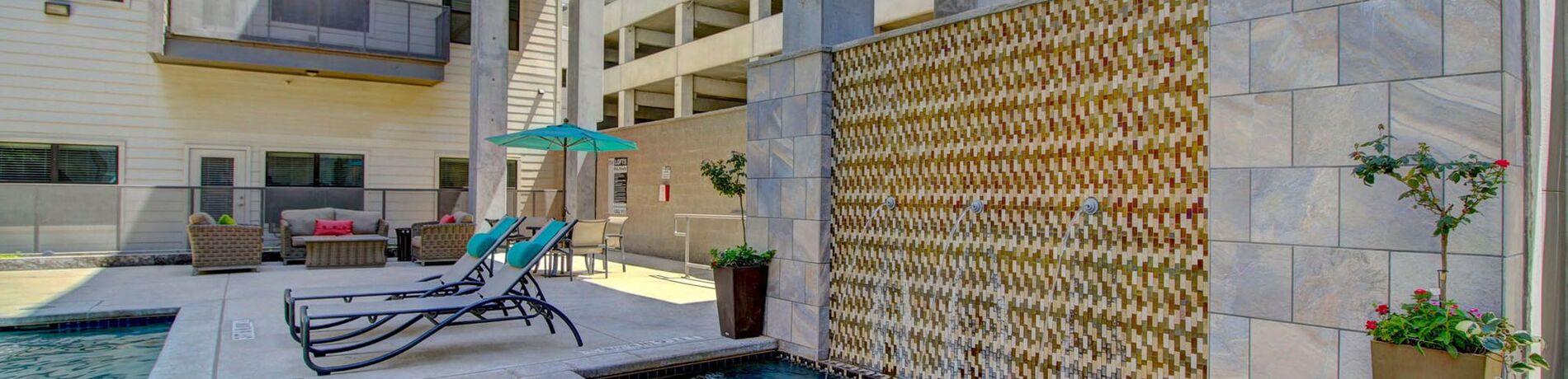 Apts for Rent Midland, TX | Wall Street Lofts Neighborhood