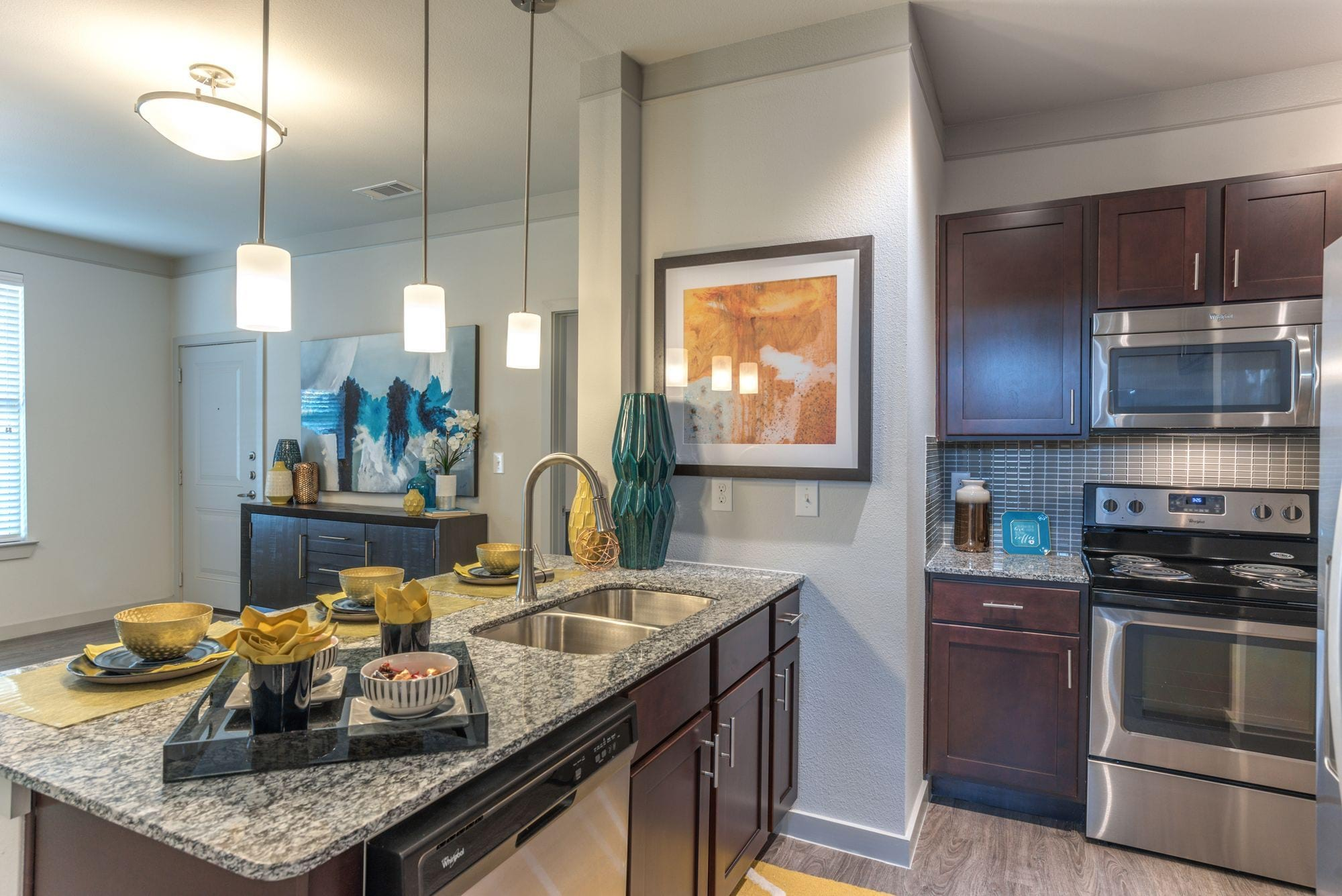 Amenities At The Pointe At West Lake Apartments In Houston Tx