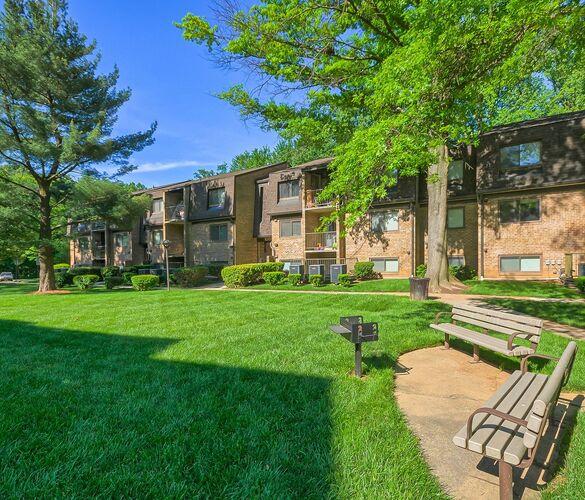West Oaks Apartments: West Wood Oaks Apartments