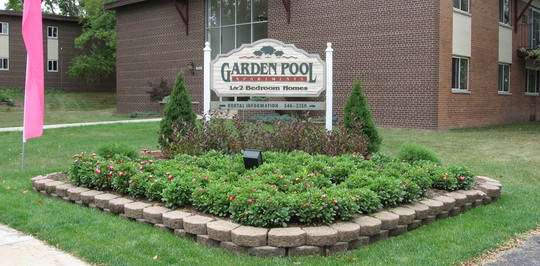 Garden pool apartments west allis wi apartments for rent for Garden pool west allis