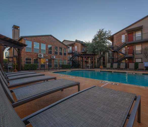 North Dallas Apartments: Apartments For Rent In North Dallas At The Edge
