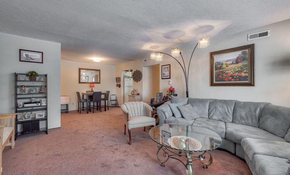 Towne Center Apartments