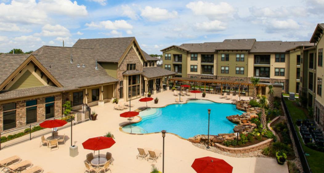 Queenston Manor | Best Apartments in Houston Texas