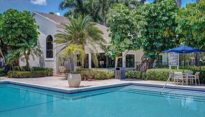 Apartments in Plantation, FL | Plantation Colony Apartments