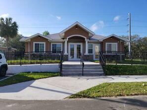 Contact Seminole Garden Apartments