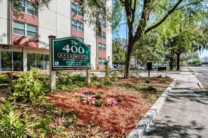 Contact The 400 Apartments