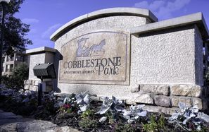 Contact COBBLESTONE PARK