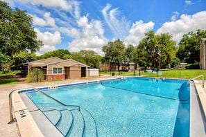 Contact Hickory Knoll Apartments