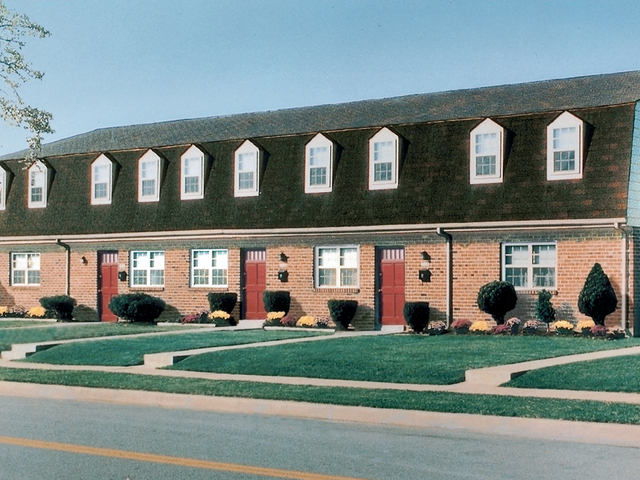 Kingston Townhomes Apartments