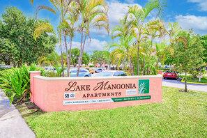 Contact Lake Mangonia Apartments