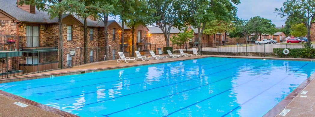 Stunning Pool at Stone Ridge Apartments located in Mesquite