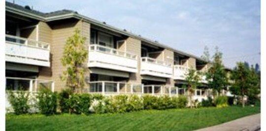 Imperial Villas Apartments Brea