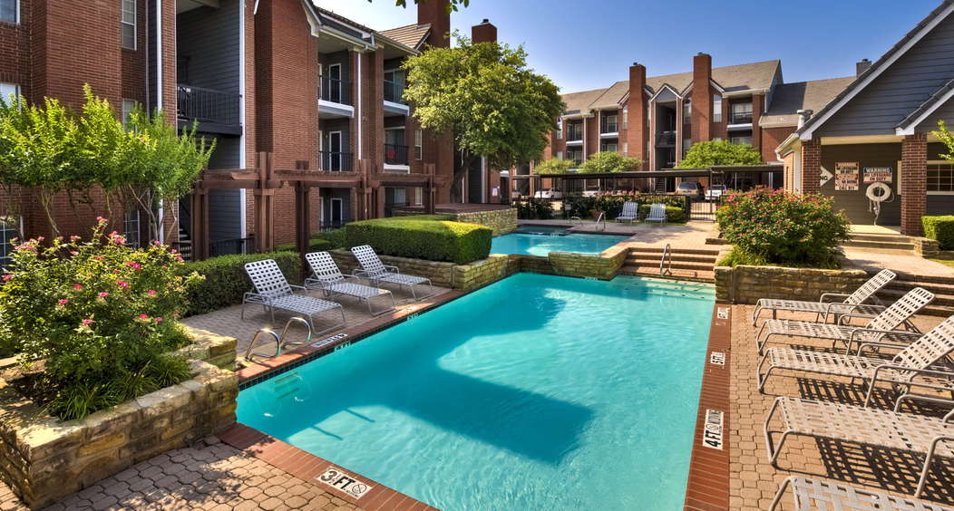 Aprtments for rent in irving tx park home pool apartment for Pool apartments