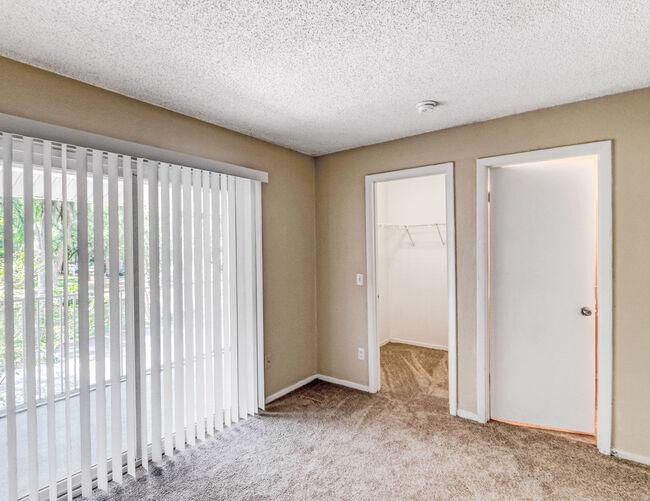 La Vista Oaks Apartments