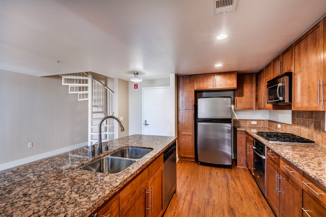 416 on Broadway Apartments - Glendale, CA Apartments for rent