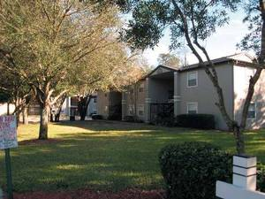 Highland Oaks Apartments | Orlando, Florida, 32808  Mid Rise, MyNewPlace.com