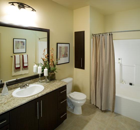Warner Center Apartments: Woodland Hills, CA Apartments