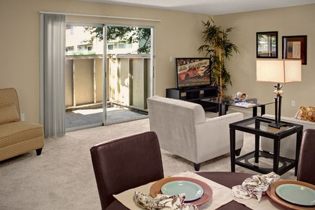 Image of apartment in Sacramento, CA located at 6058 Riverside Blvd