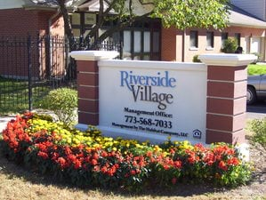 Riverside Village | Chicago, Illinois, 60827   MyNewPlace.com
