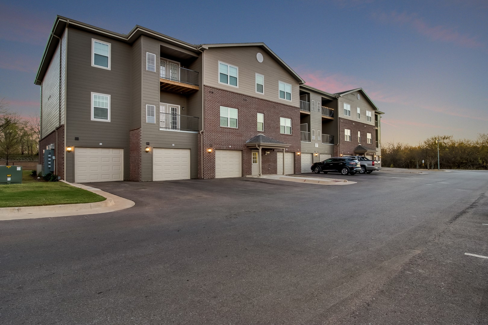 100 3 Bedroom Apartments In Okc Woodland Trails