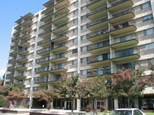 Town House Apartment Homes | Memphis, Tennessee, 38104  Mid Rise, MyNewPlace.com