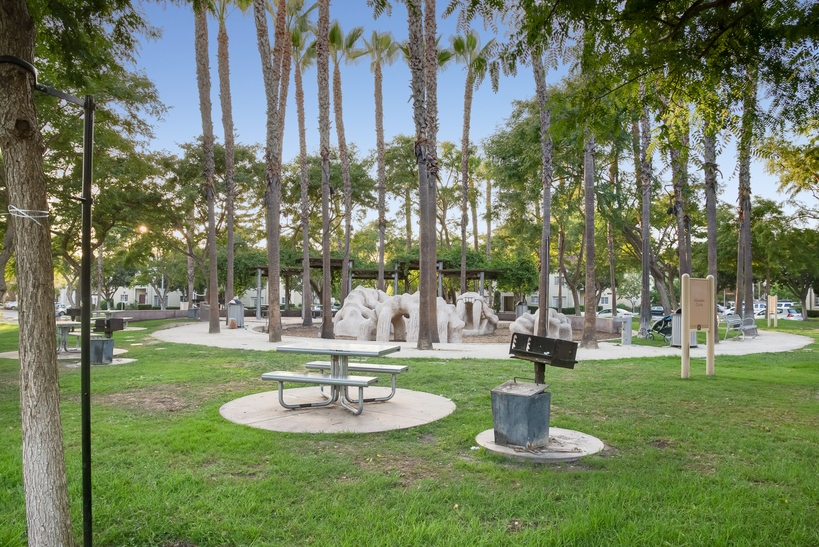 Park La Brea Photo Gallery Luxury Living In The Heart Of