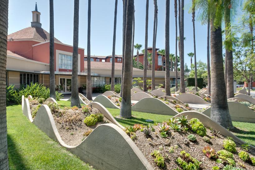 Apartments for Rent in Los Angeles, CA | Park La Brea - Home