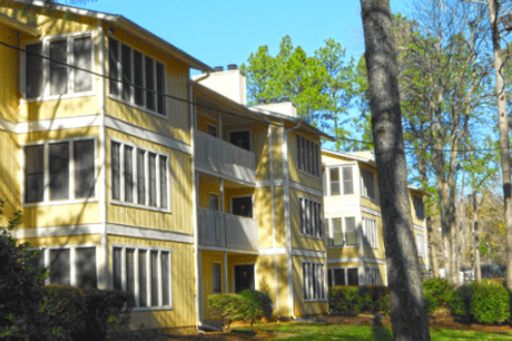 Image of apartment in Stone Mountain, GA located at 2700 Summit Creek Drive