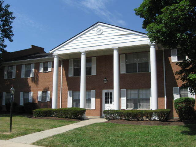 Image of apartment in Cincinnati, OH located at 7777 Compton Lake Dr