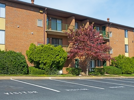 Image of apartment in Fredericksburg, VA located at 2000 Woodlyn Dr