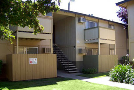 Image of apartment in Modesto, CA located at 2100 Coffee Road
