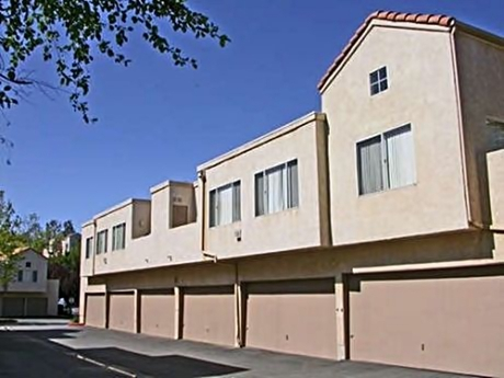 Apartment for Rent in Newhall