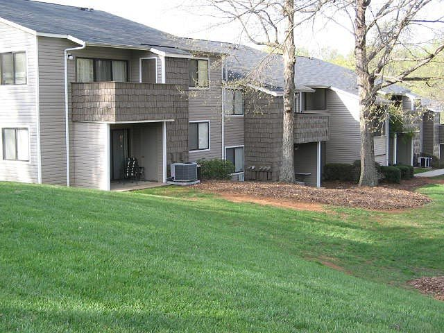 Foxcroft Apartments