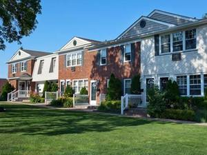 Fairfield Village at Commack | Commack, New York, 11725   MyNewPlace.com
