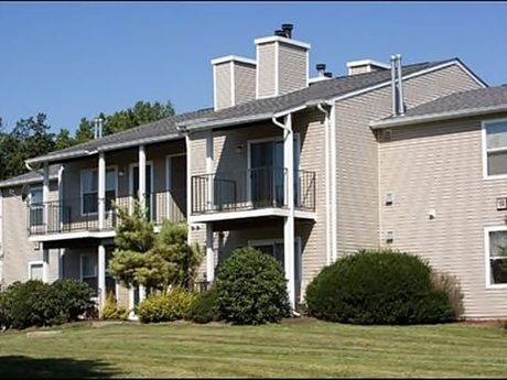 Image of apartment in Harrisonburg, VA located at 128 Chestnut Ridge Dr