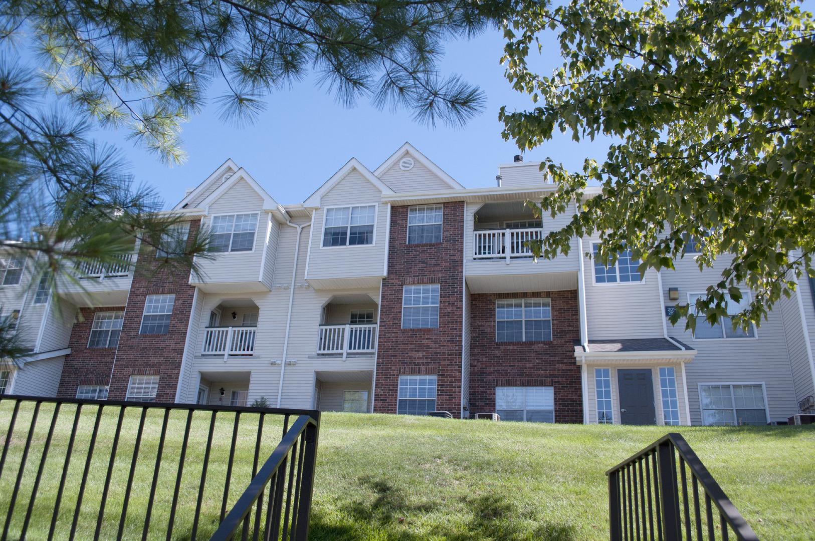 Dover Farms Apartments In North Royalton Ohio