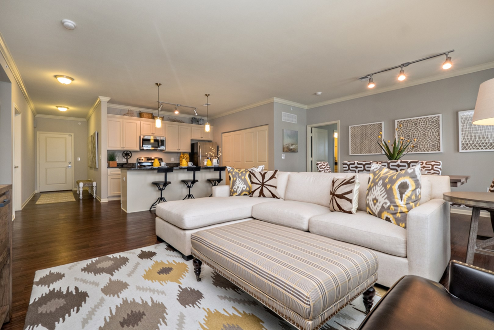 Village West Luxury Apartments For Rent Near The Legends