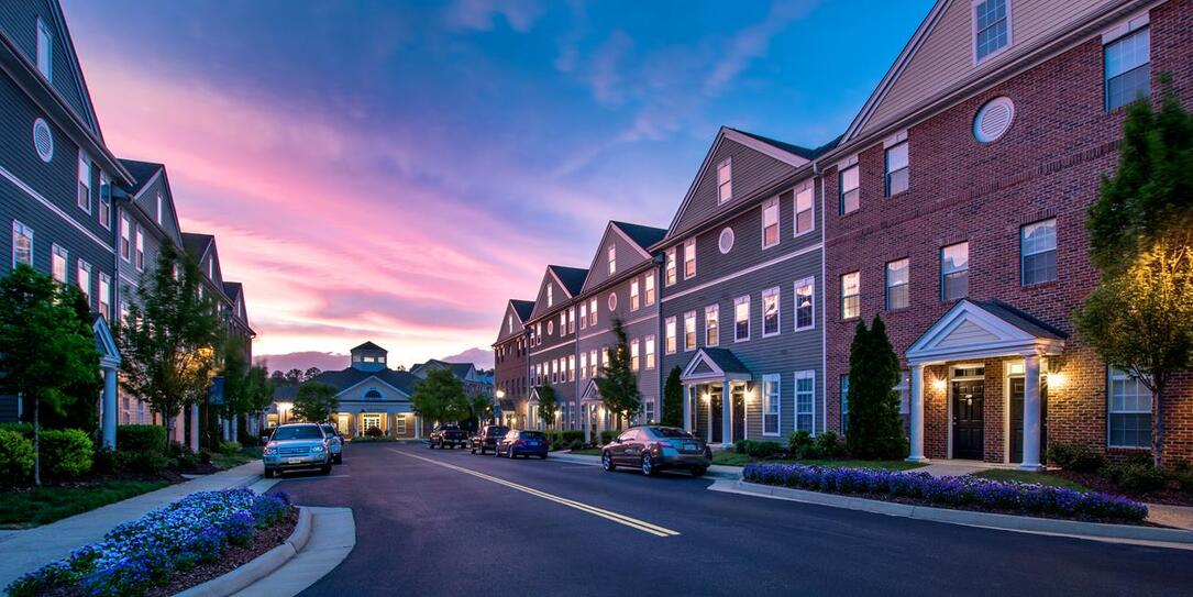 The Pointe at New Town | Townhome Apartments